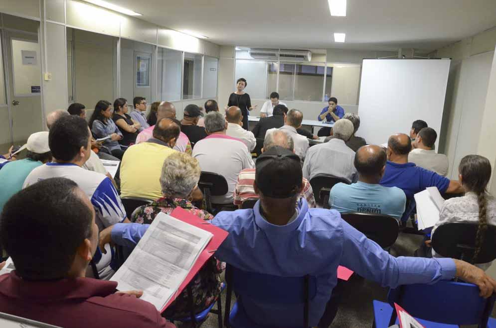 Reunião com representantes das escolas de samba de Manaus para tratar do novo edital de apoio ao desfile de Carnaval.